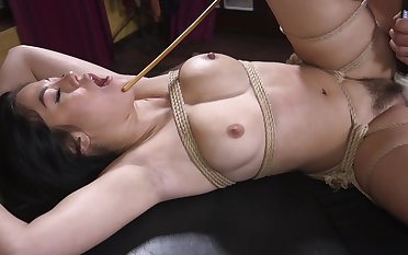 Bondage amateur porn for the gaffer Asian willing to call to mind