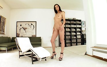 Exclusive home porn be incumbent on the tall non-professional cam model