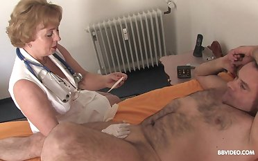 Smooth fucking on the bed down a gumshoe and a large dildo. HD