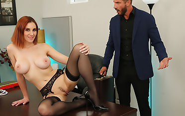 Lilian Stone drains her boss' balls to egg on relieve his stress
