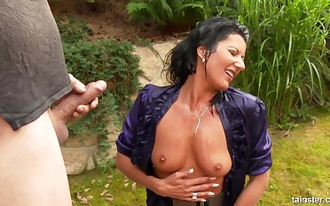 Pissing Amulet outdoor hard fuck